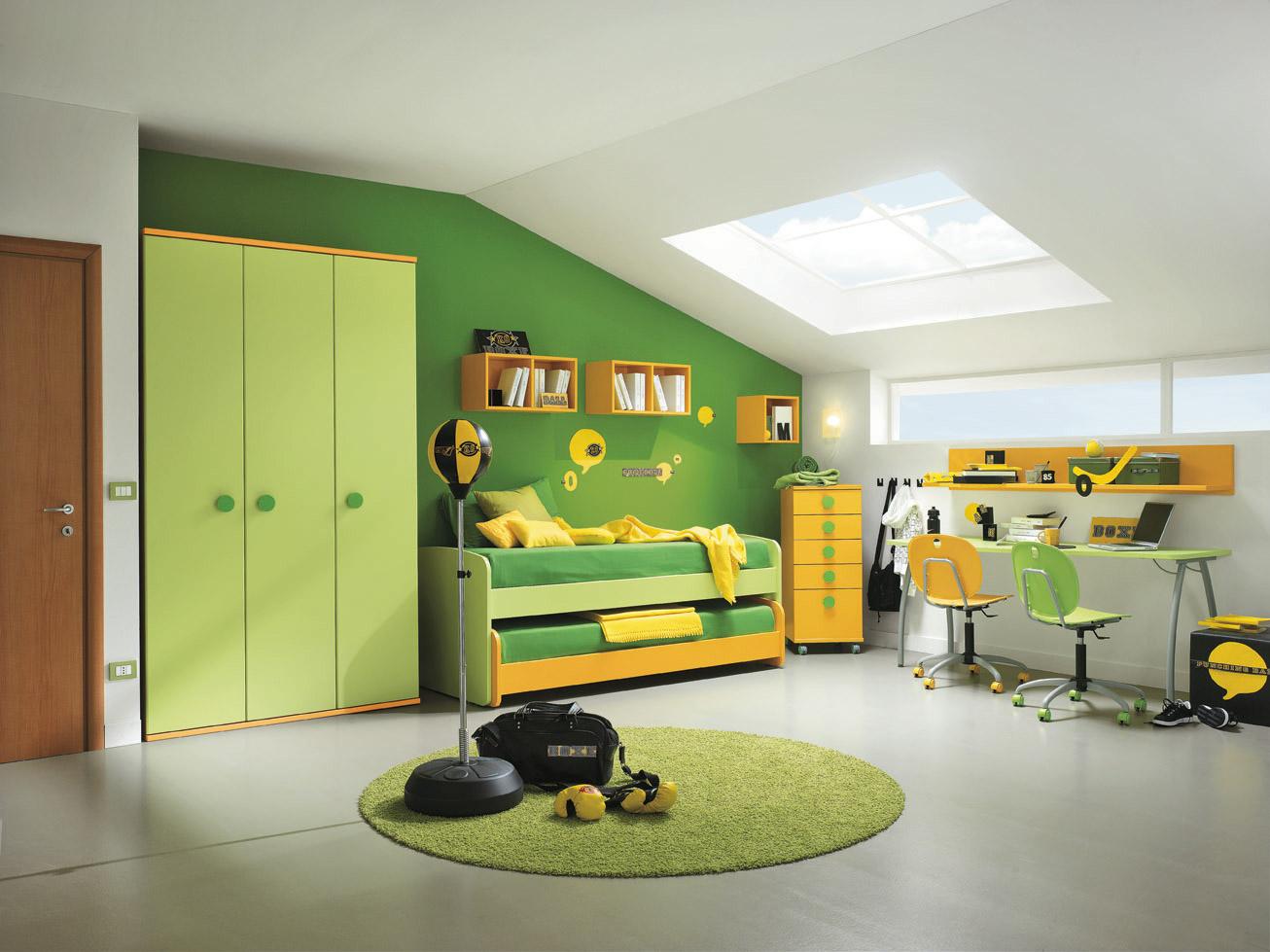 Фото дизайна мансарды детской комнаты